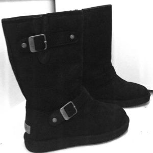 NWOT Ugg boot with 2 buckles